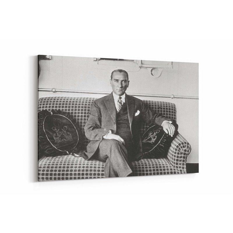 Atatürk Vapurda Kanvas Tablosu