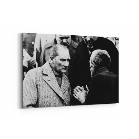 Atatürk Milletini Dinlerken Kanvas Tablosu