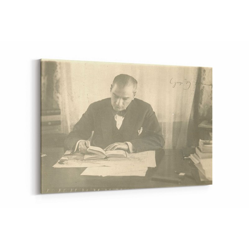 Gazi Mustafa Kemal İmzalı Fotoğraf Kanvas Tablosu