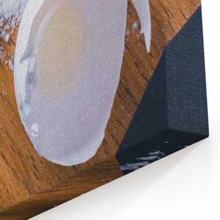 Tezgahta Siyah Ekmek Kanvas Tablo