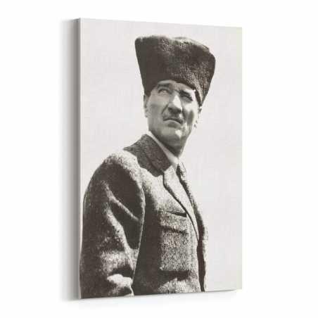 Kalpaklı Atatürk Portresi...